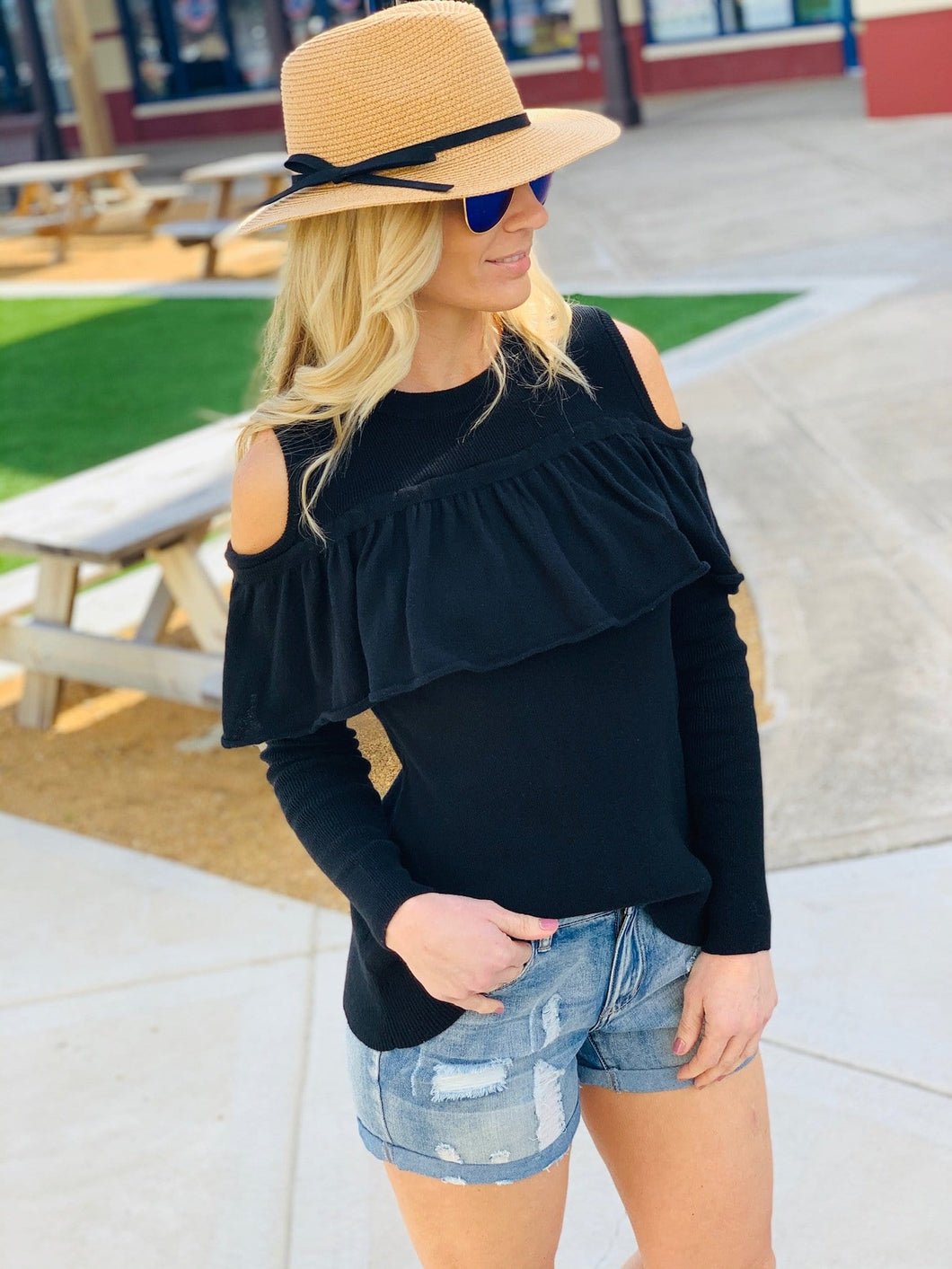 CATCHING FEELINGS COLD SHOULDER TOP-BLACK - Infinity Raine
