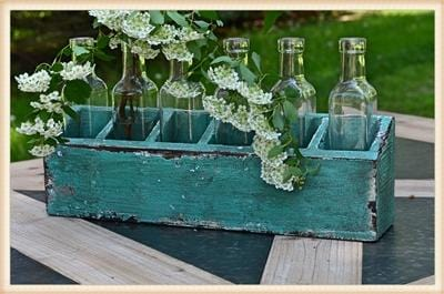 GREEN DISTRESSED WOOD BOTTLE HOLDER - Infinity Raine