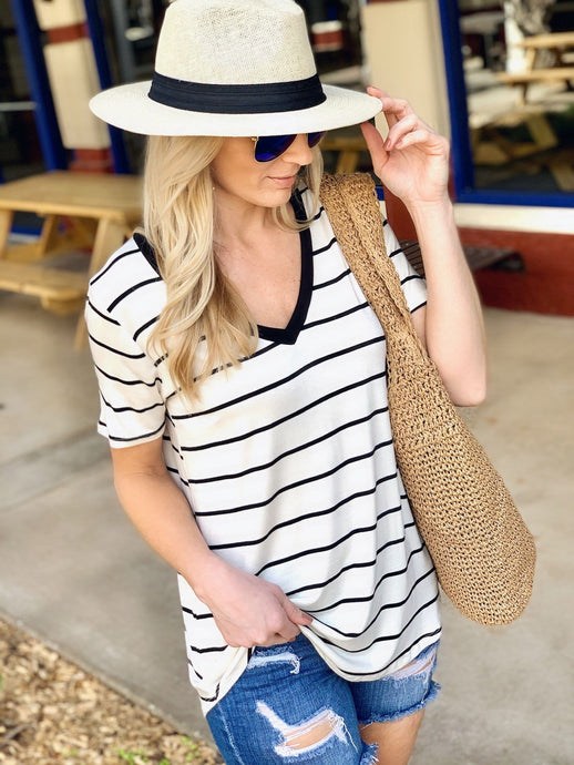 LET'S MEET UP STRIPE V-NECK TOP-CREAM/BLACK - Infinity Raine