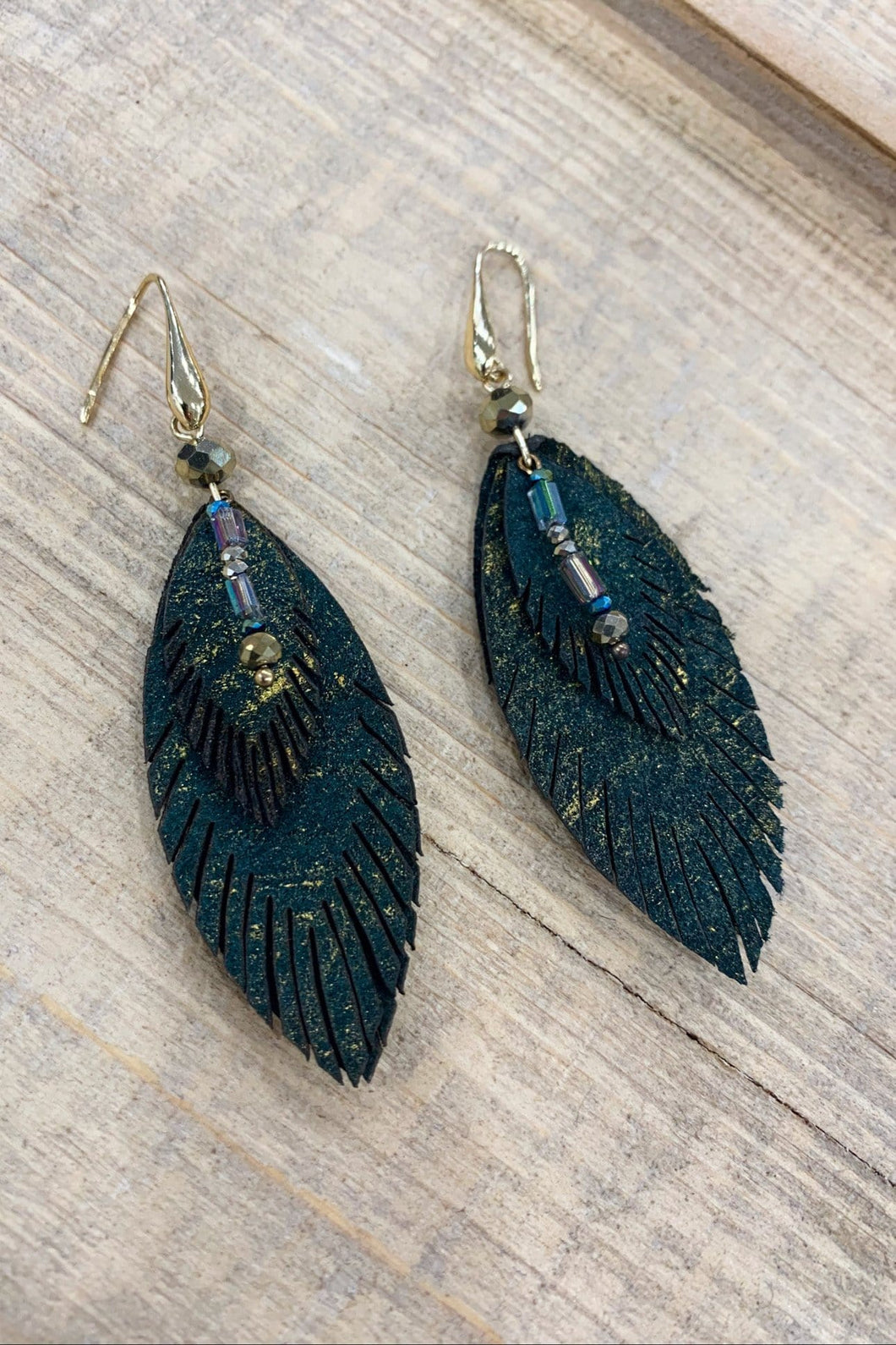 3 LAYER FEATHER DANGLE EARRING W/GOLD ACCENT - Infinity Raine