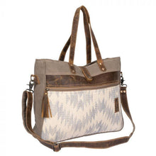Load image into Gallery viewer, CHARMING BROWNS WEEKENDER BAG - Infinity Raine