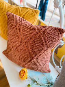 CINNAMON CABLE KNIT THROW PILLOW - Infinity Raine