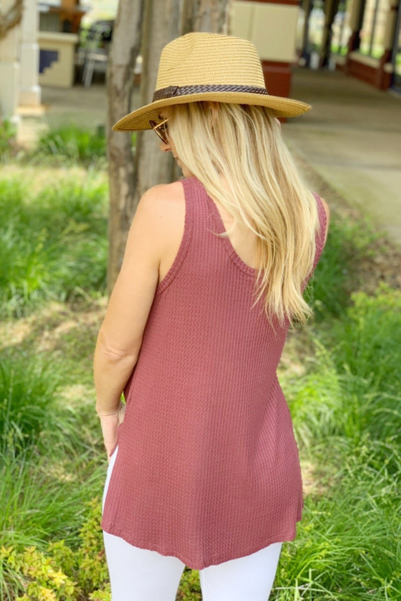 BETTER GET GOING HI/LO WAFFLE KNIT TOP-MARSALA - Infinity Raine