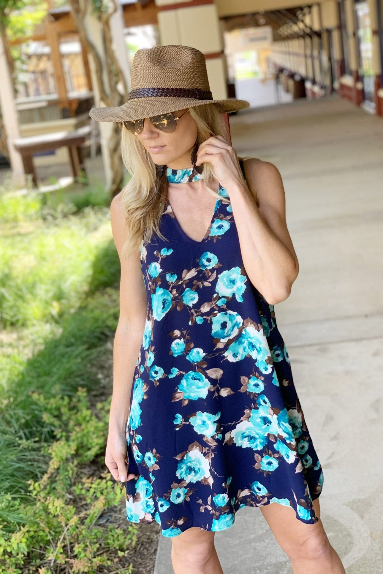 GO FOLLOW THE FLOWERS DRESS-NAVY FLORAL - Infinity Raine