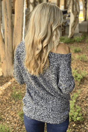 TOUCH OF PERFECTION SWEATER-BLACK - Infinity Raine