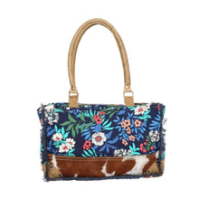 Load image into Gallery viewer, BUOYANT SMALL SHOULDER BAG - Infinity Raine