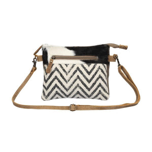 STAGGERING CROSS BODY BAG - Infinity Raine