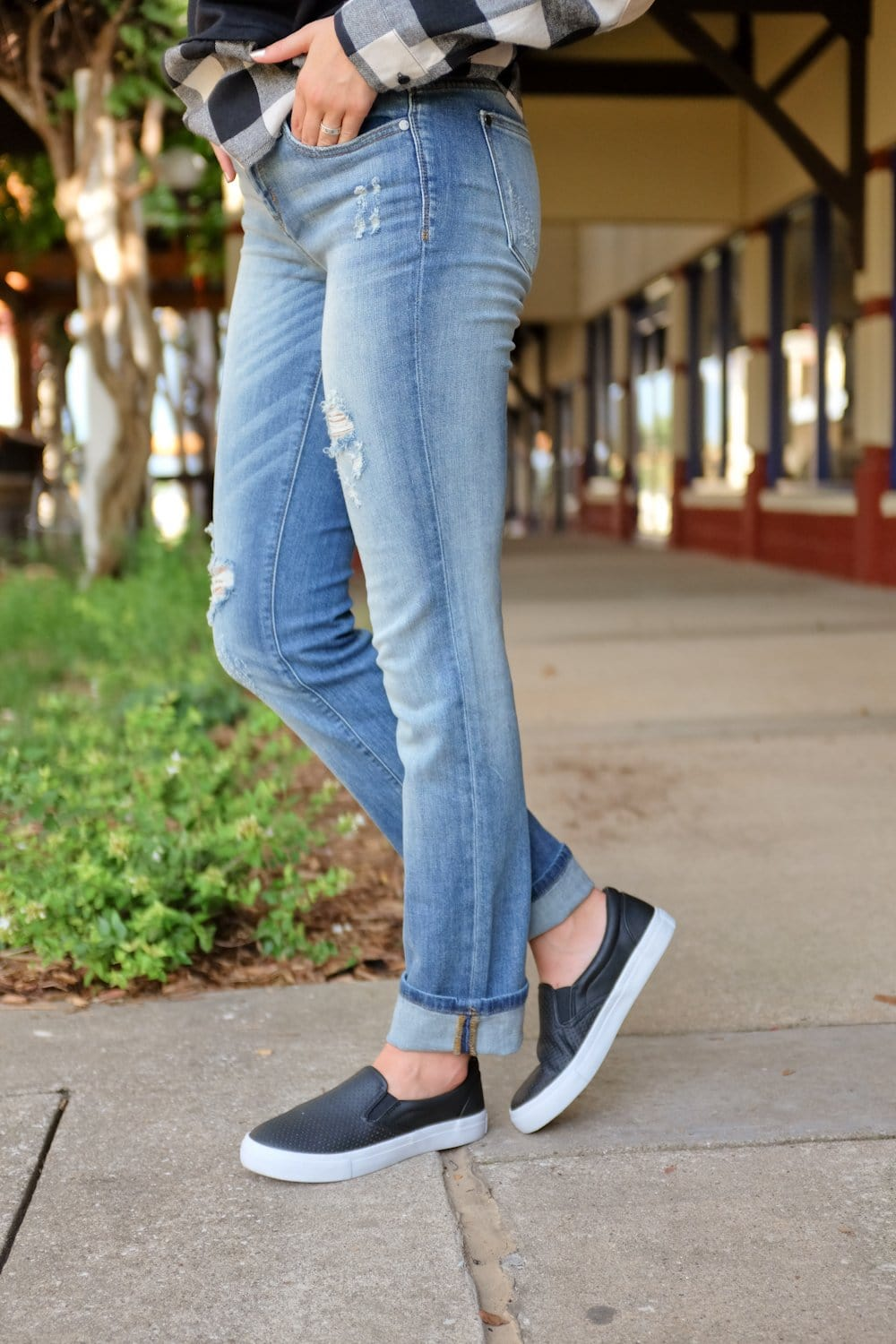 WEAR THEM WELL MEDIUM WASH JEANS - Infinity Raine