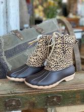Load image into Gallery viewer, A LITTLE ON THE WILD SIDE CHEETAH PRINT DUCK BOOTS - Infinity Raine