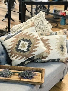 SOUTHWESTERN THROW PILLOW - Infinity Raine