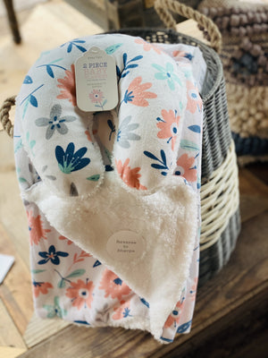HUGGABLE FRIENDS BABY BLANKET WITH TRAVEL PILLOW-WHITE FLORAL - Infinity Raine