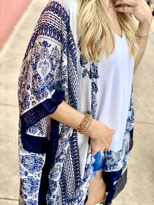 GET A MOVE ON PAISLEY PRINT KIMONO-NAVY/WHITE - Infinity Raine