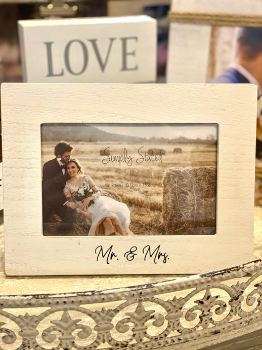 SIMPLY STATED MR. & MRS WHITE WASHED PICTURE FRAME