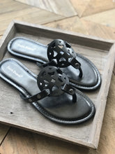 Load image into Gallery viewer, WOMEN'S SLIDE SANDALS-BLACK - Infinity Raine