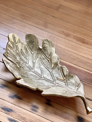 FEUILLE GOLD LEAF SHAPED TRAY - Infinity Raine