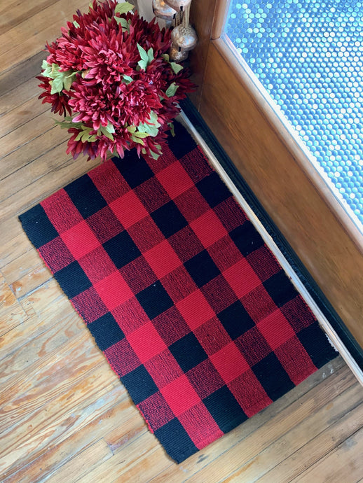 RED AND BLACK BUFFALO PLAID RUG - Infinity Raine