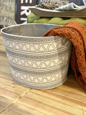 ALL AROUND TRIANGLE PRINT CLOTH BASKET-GRAY/WHITE - Infinity Raine