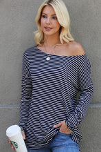 Load image into Gallery viewer, THE WEEKEND CASUAL TUNIC TOP-NAVY - Infinity Raine