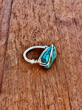 Load image into Gallery viewer, STATEMENT BOHEMIAN FLAT STONE WIRED RING- SILVER - Infinity Raine