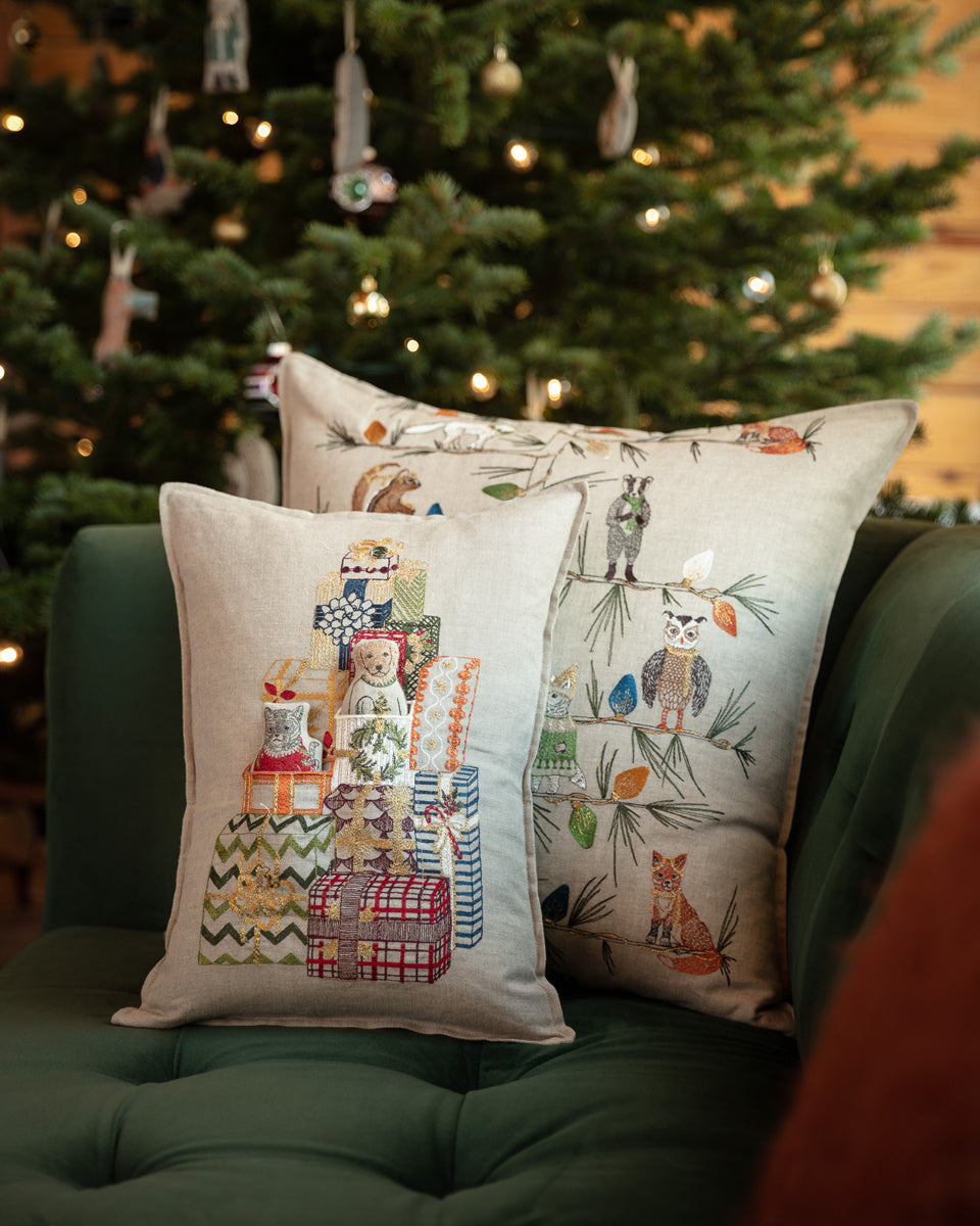 Gift Tree Pocket Pillow