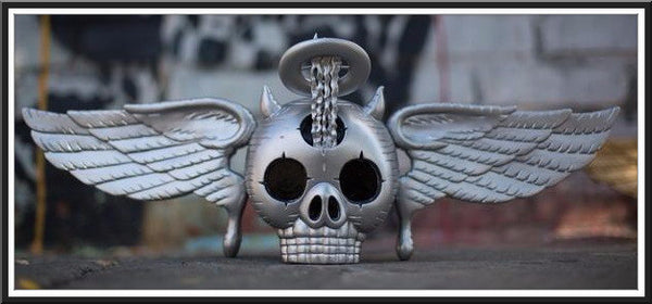 "David Welker ""Skully""<br>Silver Edition Vinyl Statue"