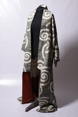 Vintage Japanese silk kimono, silver-grey with pearly-white swirls