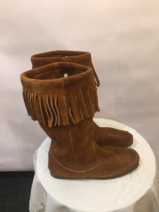 Tan MINNETONKA soft-suede fringed boots, UK size 6