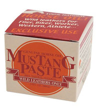 Load image into Gallery viewer, ครีมบำรุงหนัง Horse Oil จาก Mustang Paste (Made in Japan)