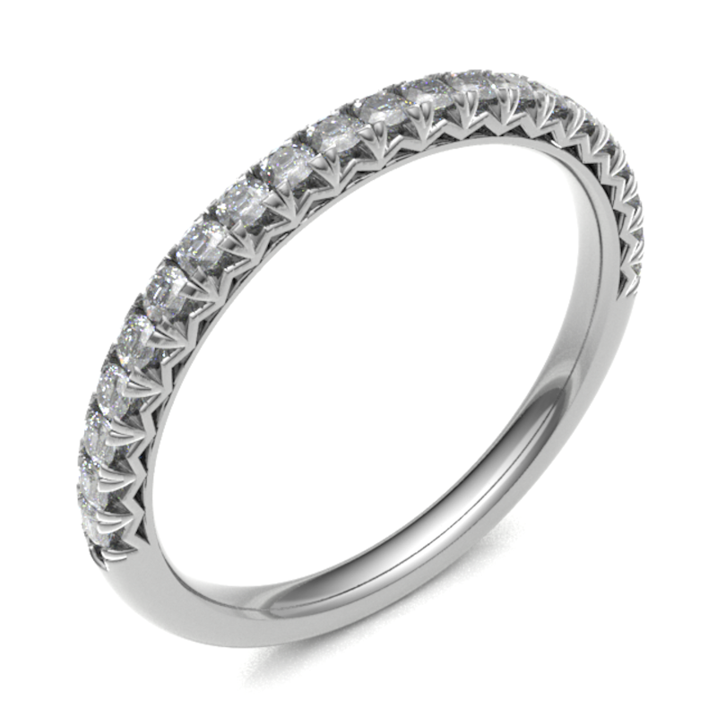 18ct White Gold 0.20ct Claw Set 2.5mm Band