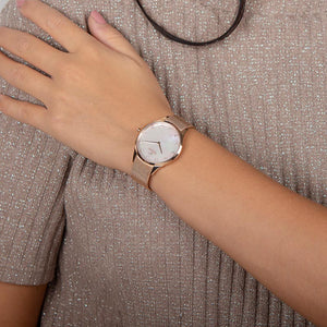 Obaku, mother of pearl dial with rose mesh bracelet.