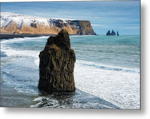 Cliffs And Ocean In Iceland Reynisfjara - Metal Print