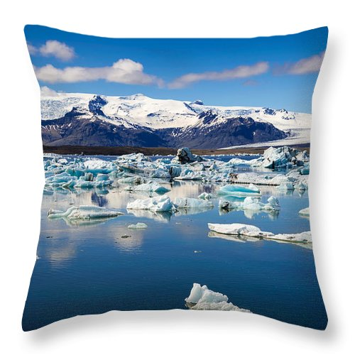 Glacier Lagoon In Iceland - Throw Pillow