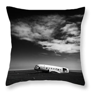 Plane Wreck Black And White Iceland - Throw Pillow