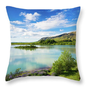 River Hvita In South Iceland - Throw Pillow