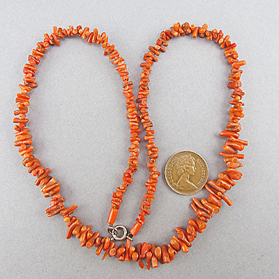 Vintage coral beads necklace