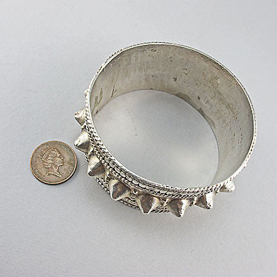 Vintage sterling silver jewellery bangle spikes