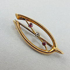 Vintage 15ct gold jewellery diamonds and rubies brooch