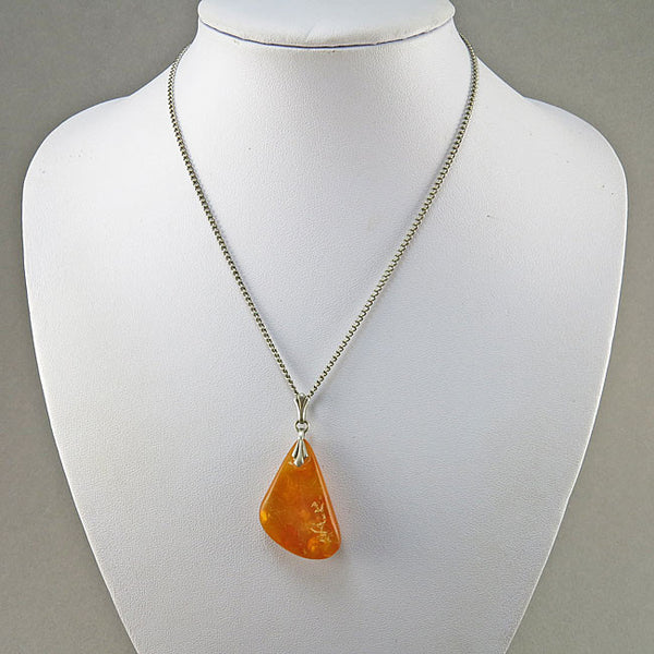 Vintage Amber Pendant Yellow Amber Jewelry Baltic Amber
