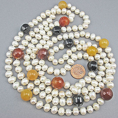 Vintage pearl beads necklace and quartz