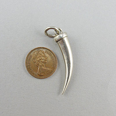 Vintage silver jewellery pendant claw shape