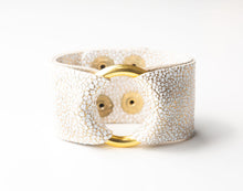 Load image into Gallery viewer, White and Gold Speckled Leather Cuff