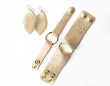 Load image into Gallery viewer, Gold Cobblestone Leather Earrings
