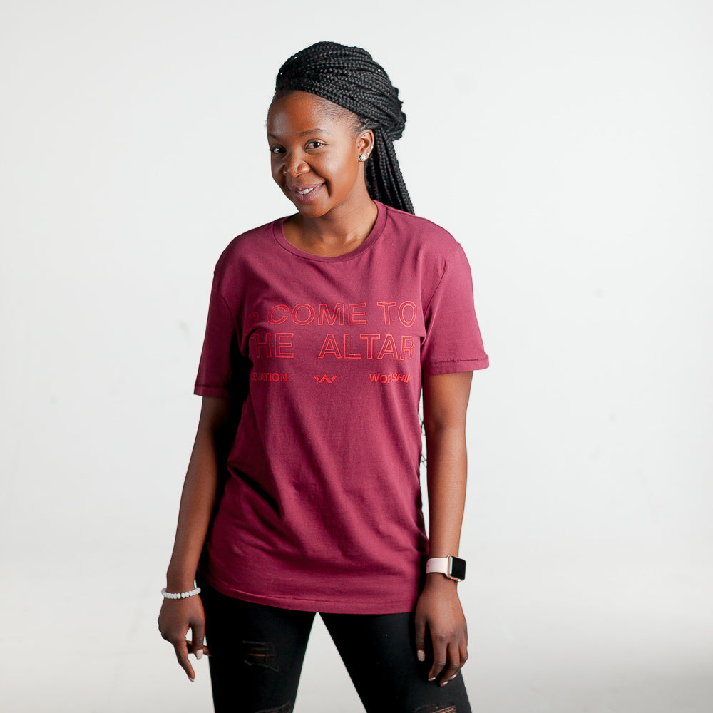 O Come to the Altar Tee (Burgundy)