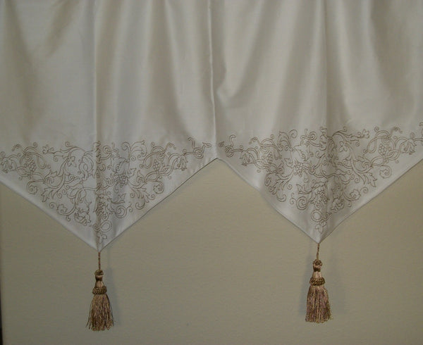White Valance Embroidery Tassels