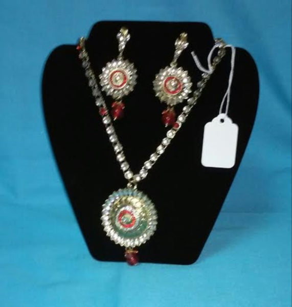 Pendant Set 7016 Golden Pendant Sets Shieno Sarees