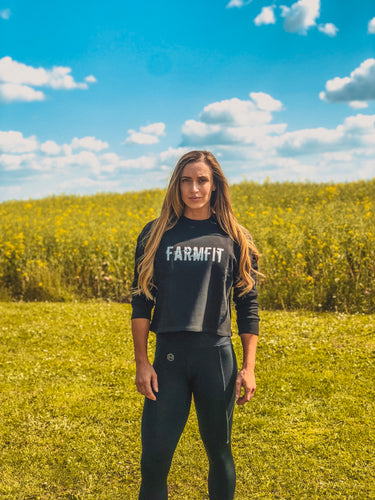 Women's Farm Fit Cropped Sweatshirt