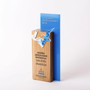 Custom hardwood oak acrylic bagde award-Awards and medal studio 5