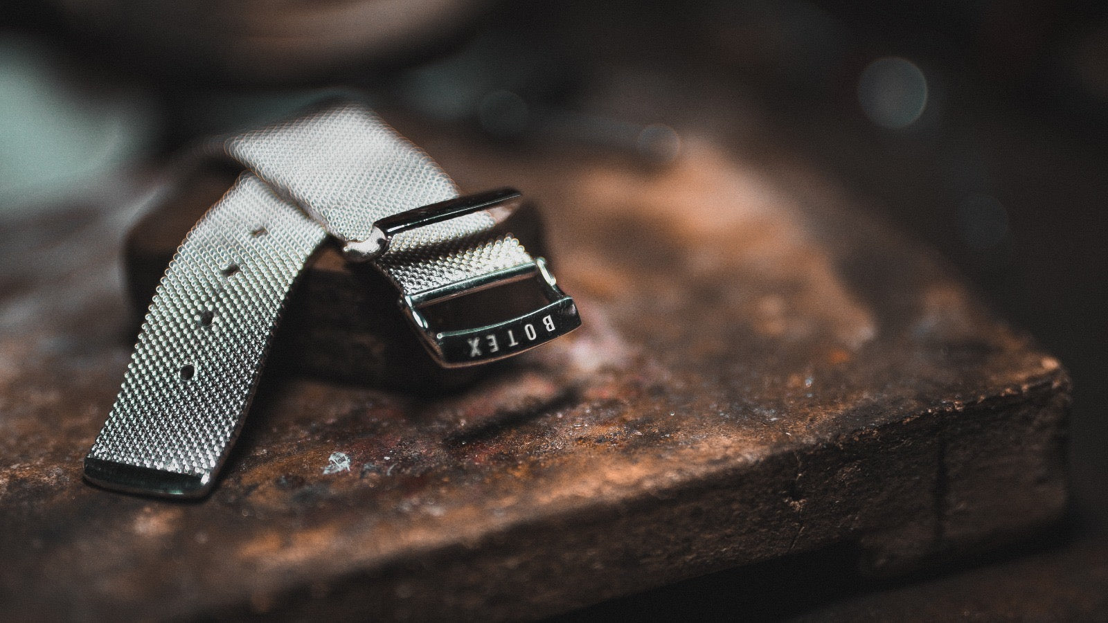 MUSUBI: The High-End Milanese Bracelets for Apple Watch