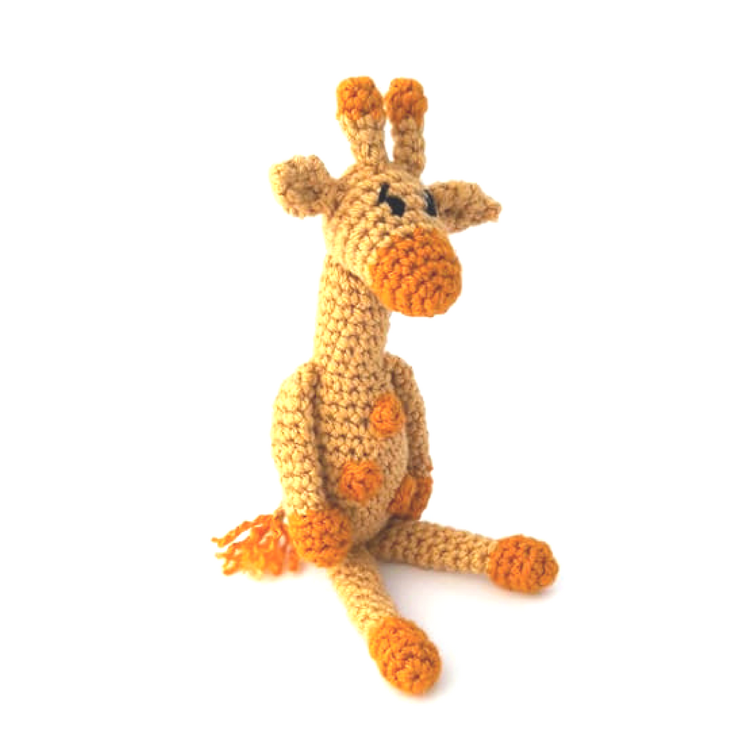 Little Bigfoot Giraffe Amigurumi Pattern | 1024x1024