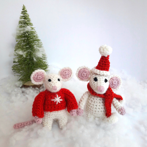 2 Christmas Mice in Festive Outfits - Mini Kit